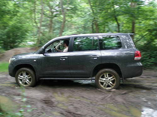 Toyota Land Cruiser V8 (VDJ200)